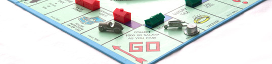monopoly-board-game-1512077-1599x1041